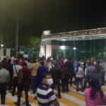 CNTE bloquea paso al presidente